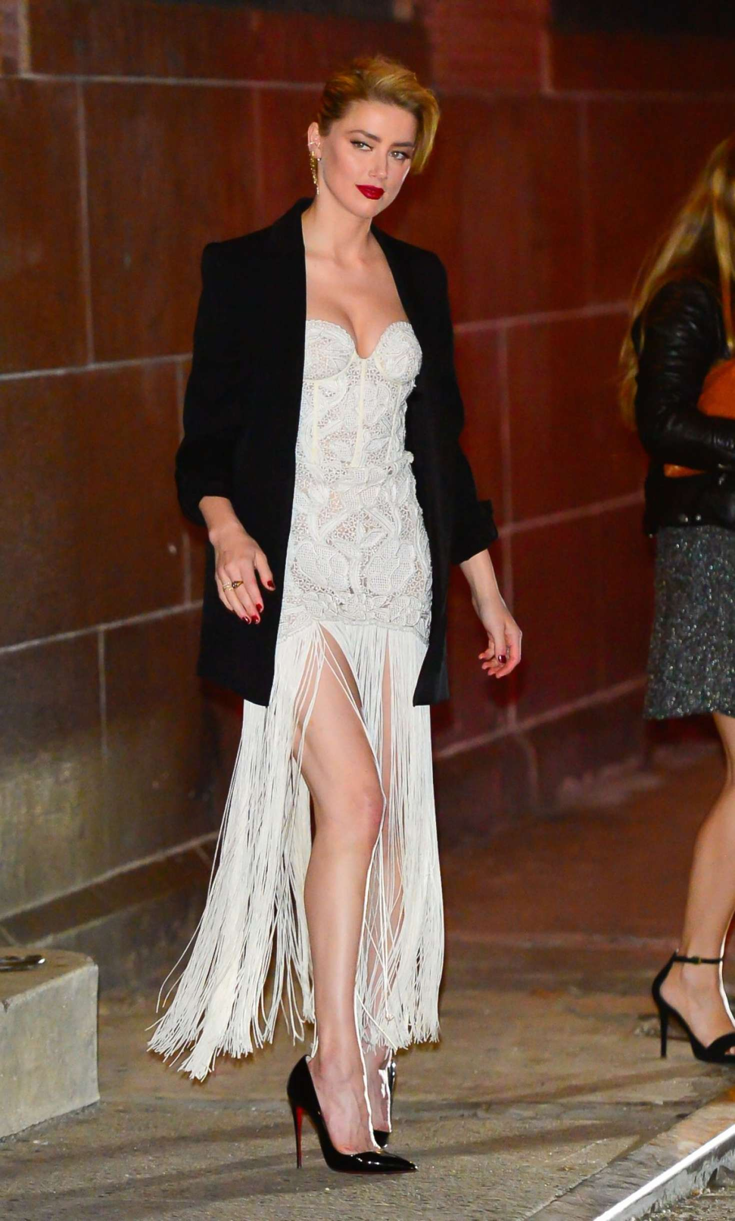 Amber Heard 2018 : Amber Heard: Out and about in NYC -08