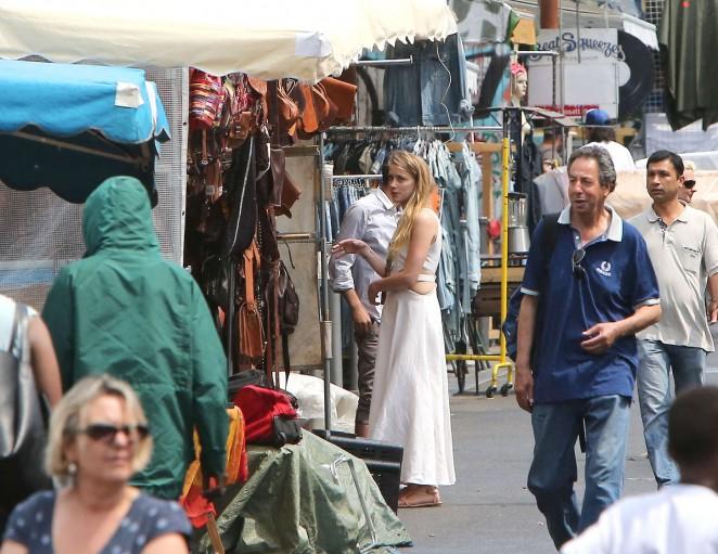 Amber Heard in White Dress -29