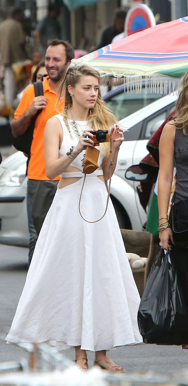 Amber Heard in White Dress -40