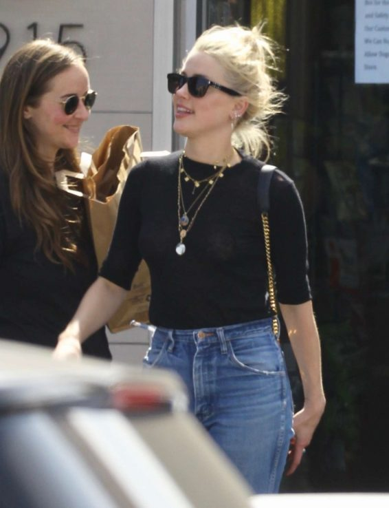 Amber Heard - Out for lunch at The Oaks Gourmet in Los Feliz