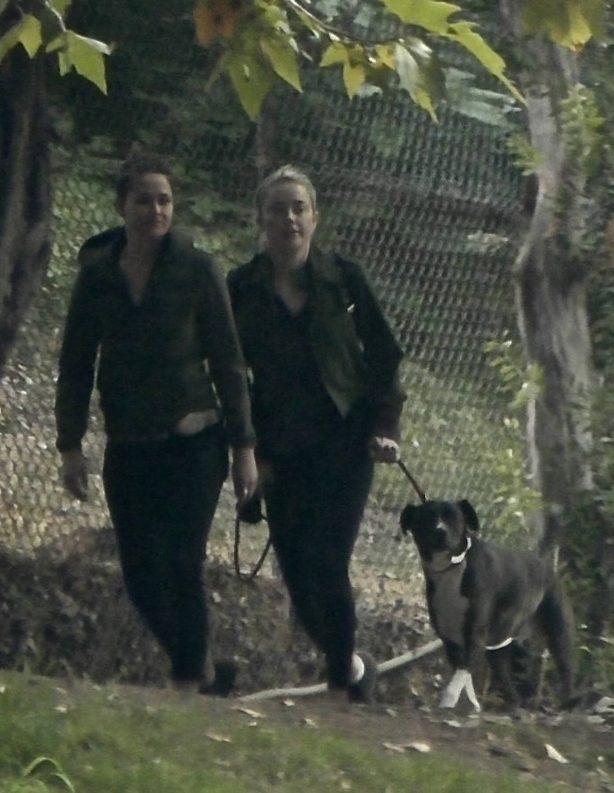 Amber Heard - Seen hiking around Griffith Park