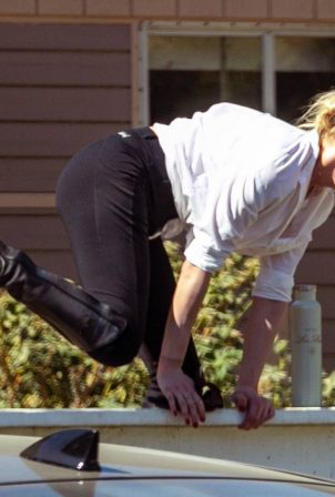 Amber Heard seen horse riding on a Tuesday afternoon