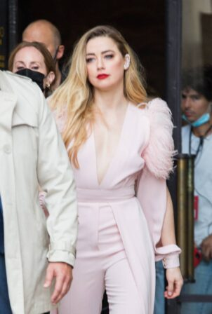 Amber Heard - Seen leaving L'Oreal Paris 2021 Show during Paris Fashion Week