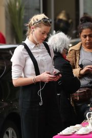 Amber Heard - Shopping in Paris