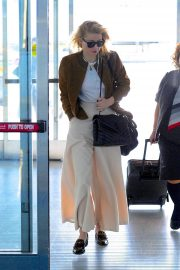 Amber Heard - Spotted at JFK Airport in New York