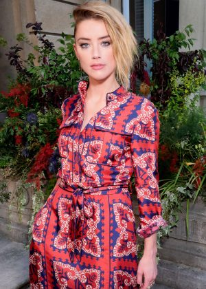 Amber Heard - Valentino Haute Couture Show 2019 in Paris