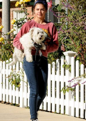Amber Montana: Walking her dog Elvis -13