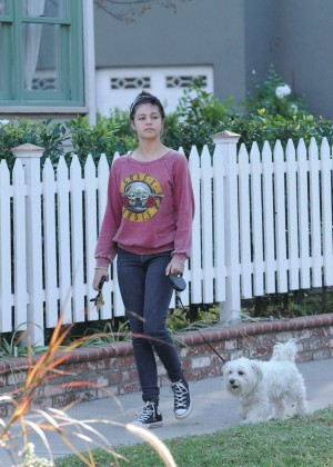 Amber Montana: Walking her dog Elvis -28