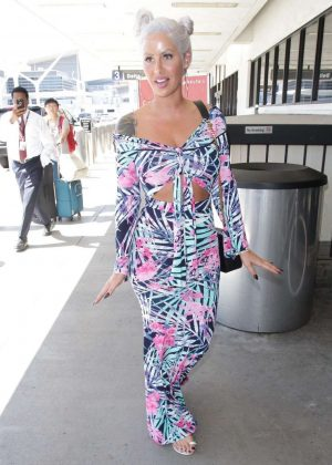 Amber Rose - Arrives at LAX Airport in LA