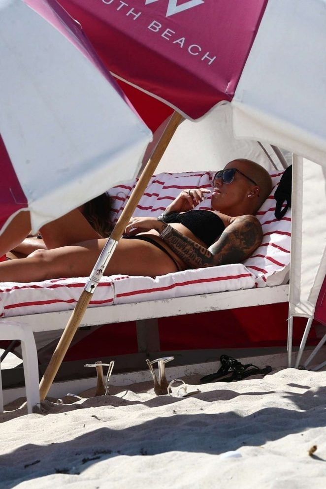 Amber Rose in Black Bikini on the beach in Miami