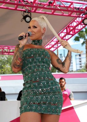 Amber Rose - Memorial Day Weekend Go Pool Dayclub in Las Vegas