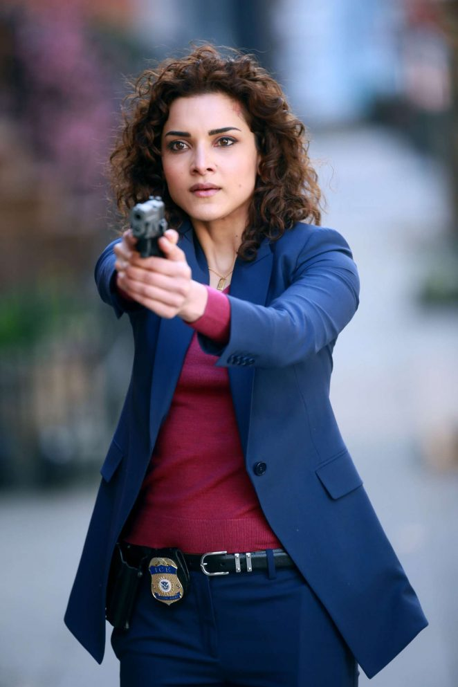 Amber Rose Revah - Filming Marvel's 'The Punisher' in Brooklyn