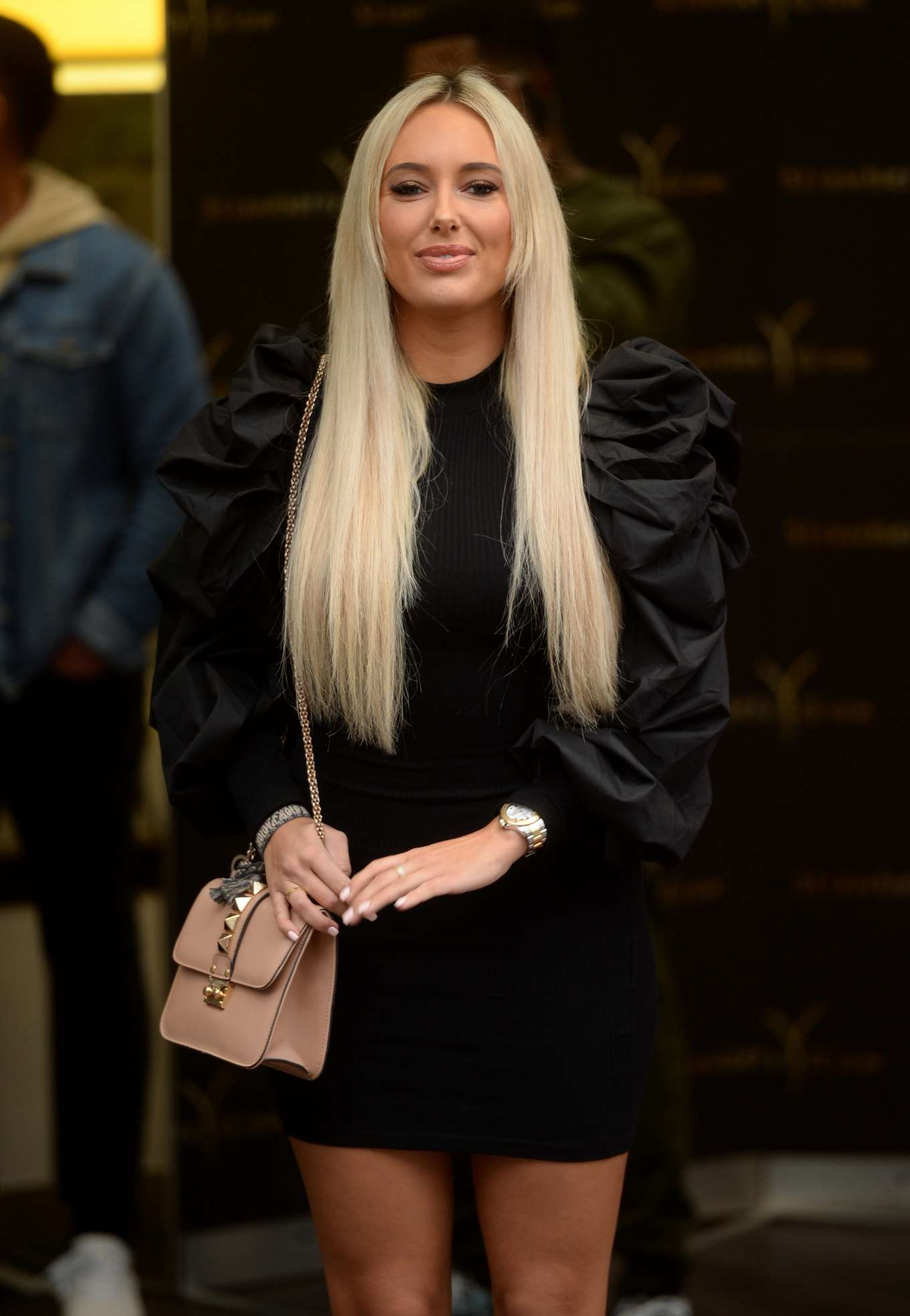 Amber Turner 2019 : Amber Turner – Arrives at Strawberry Glow Launch Party-04