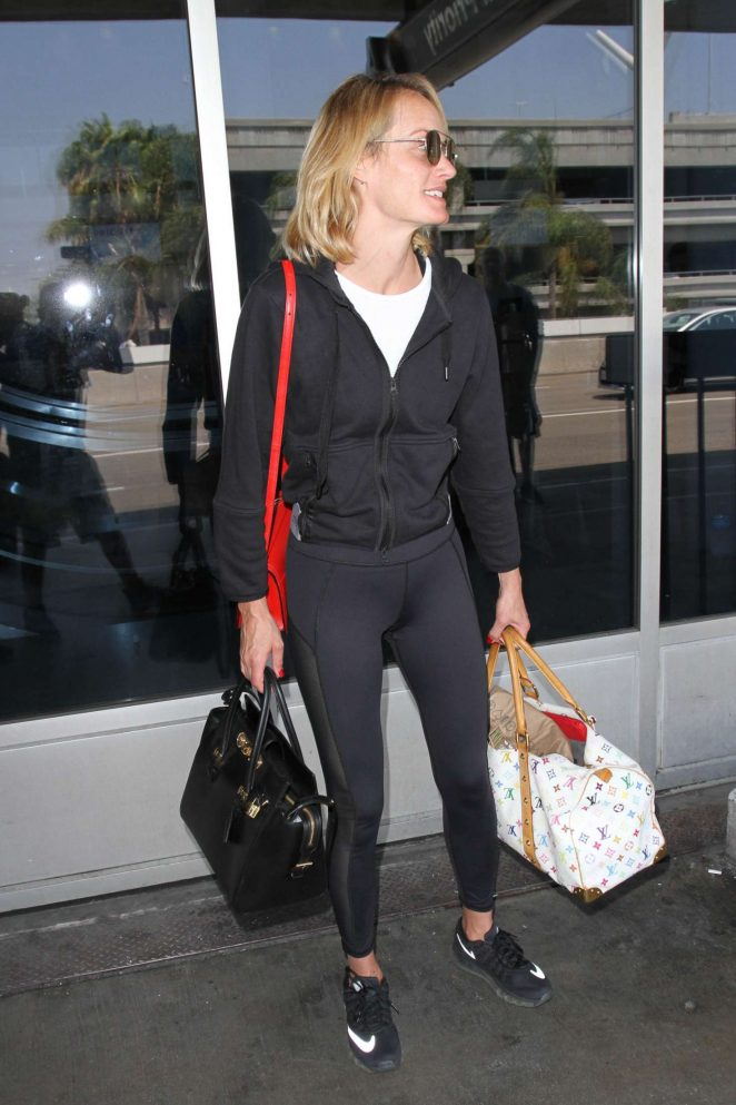 Amber Valletta at Los Angeles International Airport