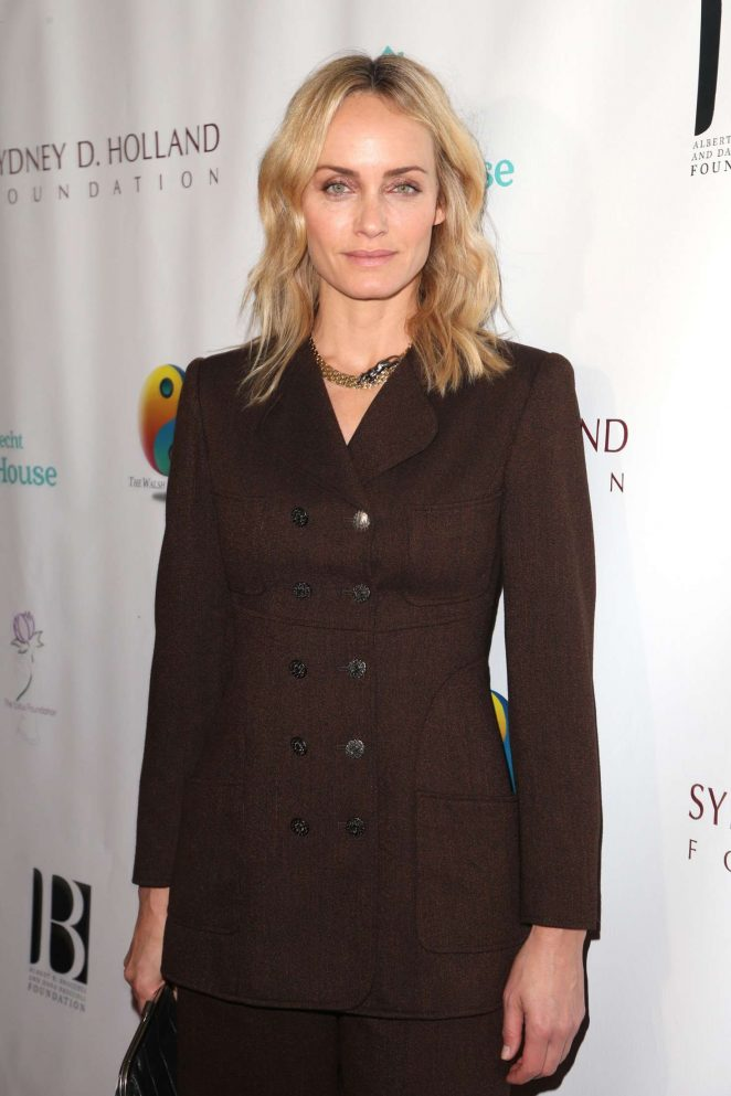 Amber Valletta – Friendly House Lunch in Los Angeles