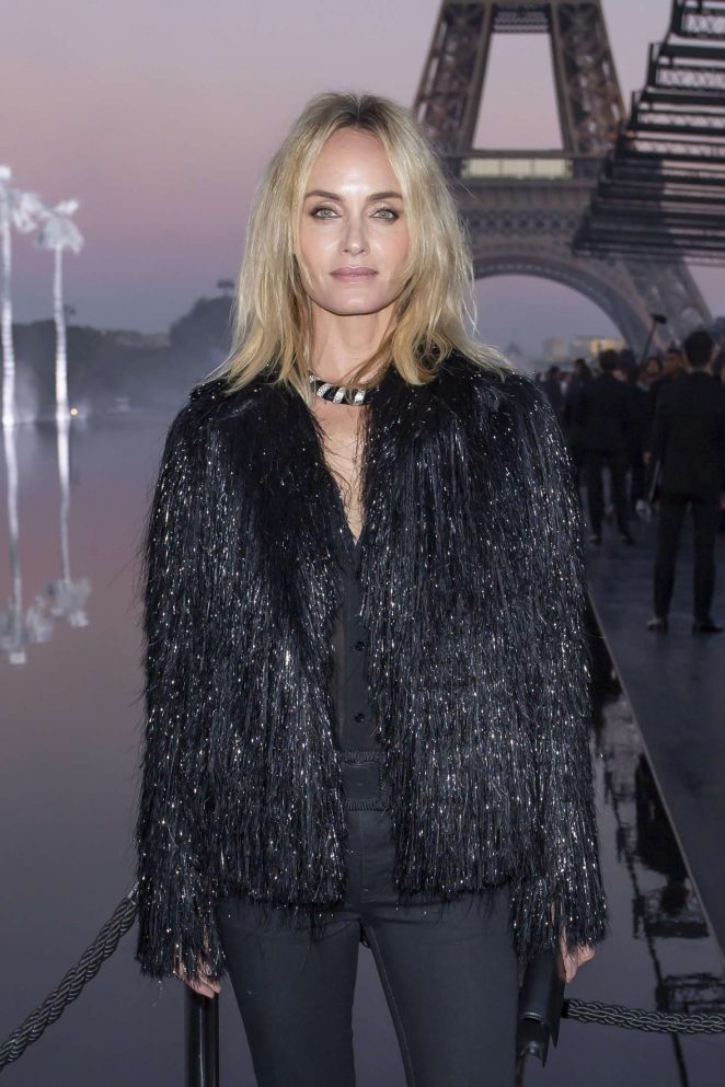 Amber Valletta – Saint Laurent Fashion Show in Paris