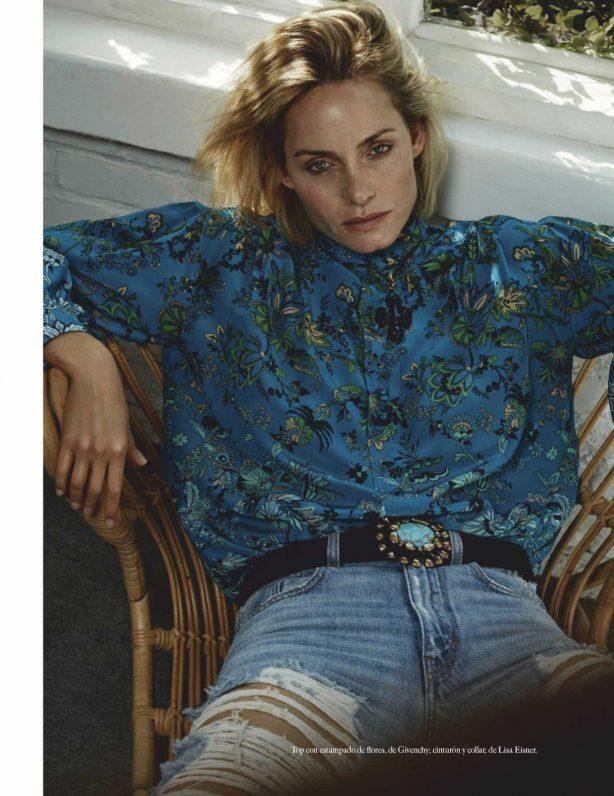 Amber Valletta - Vogue Mexico Magazine (February 2020)