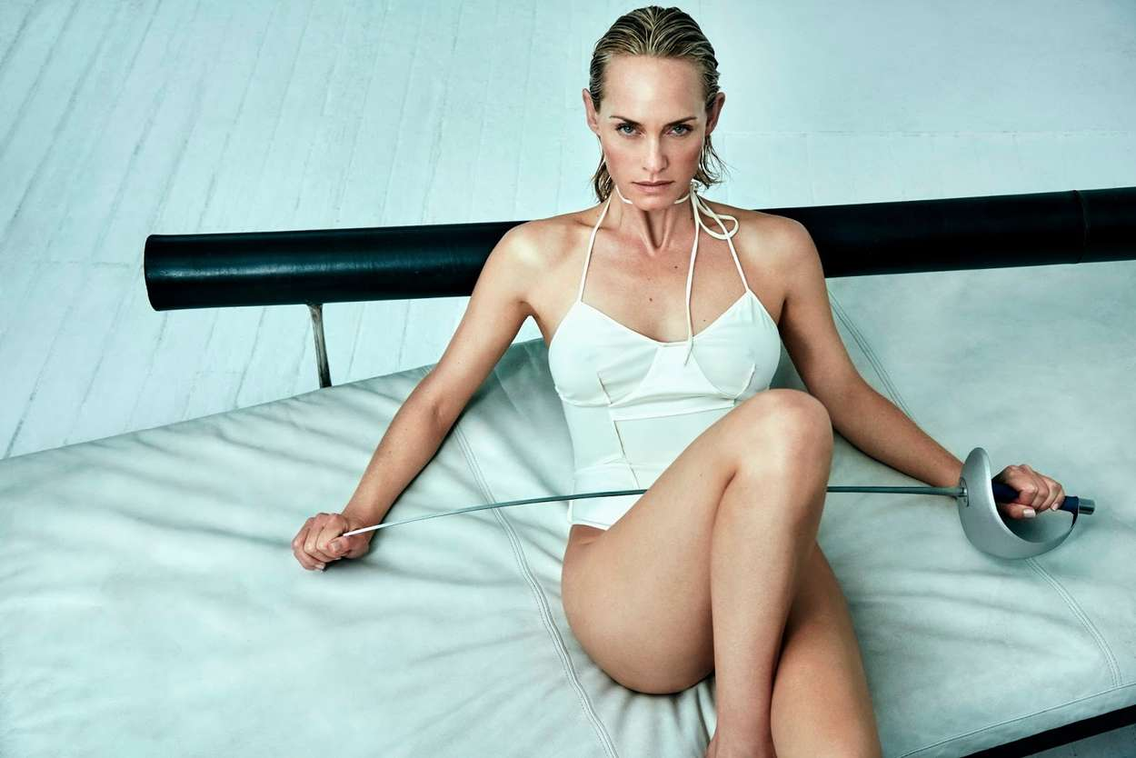 Amber Valletta - Vogue Ukraine Magazine (April 2017)