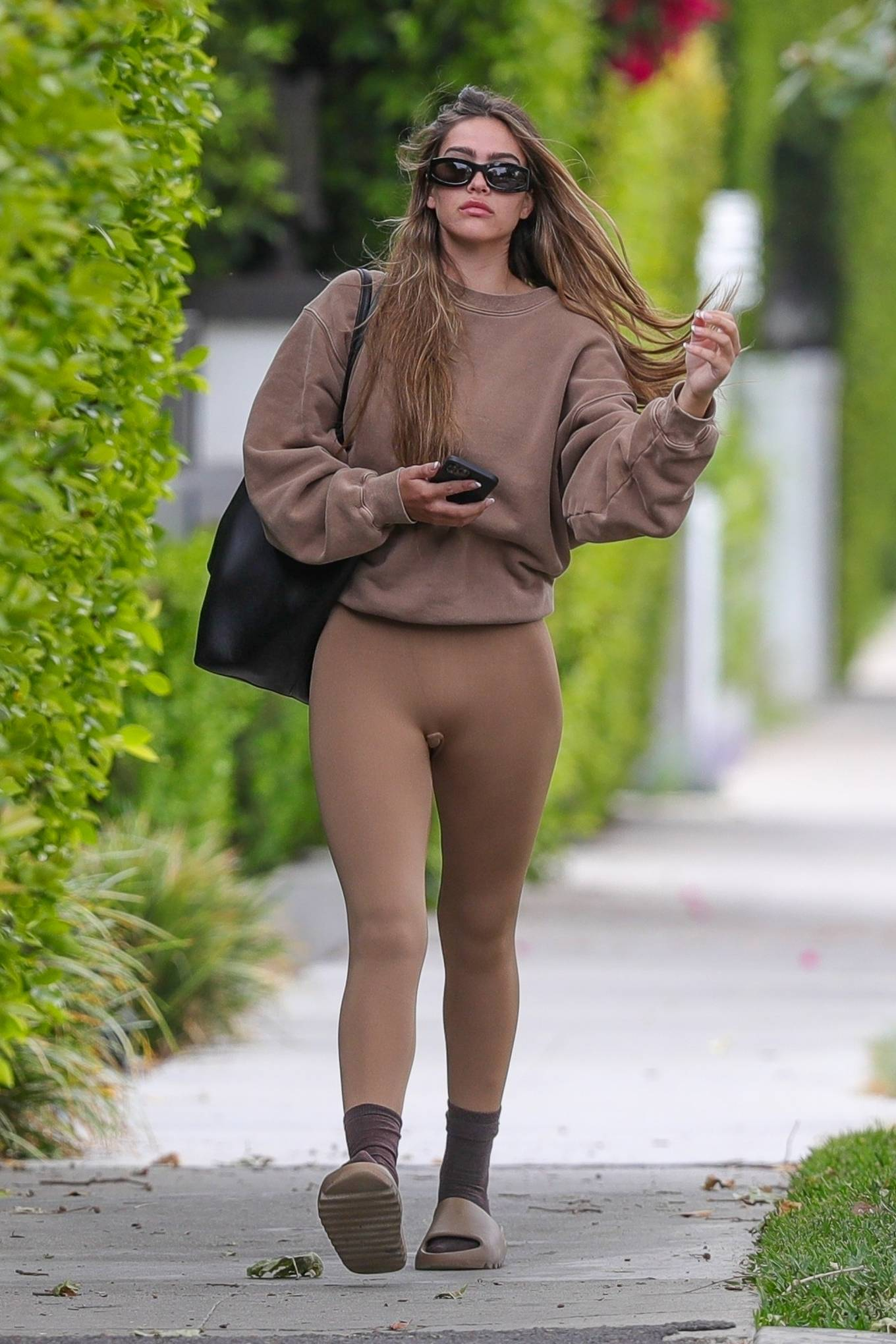 Amelia Gray Hamlin 2021 : Amelia Gray Hamlin – Steps out for pilates session in West Hollywood-10