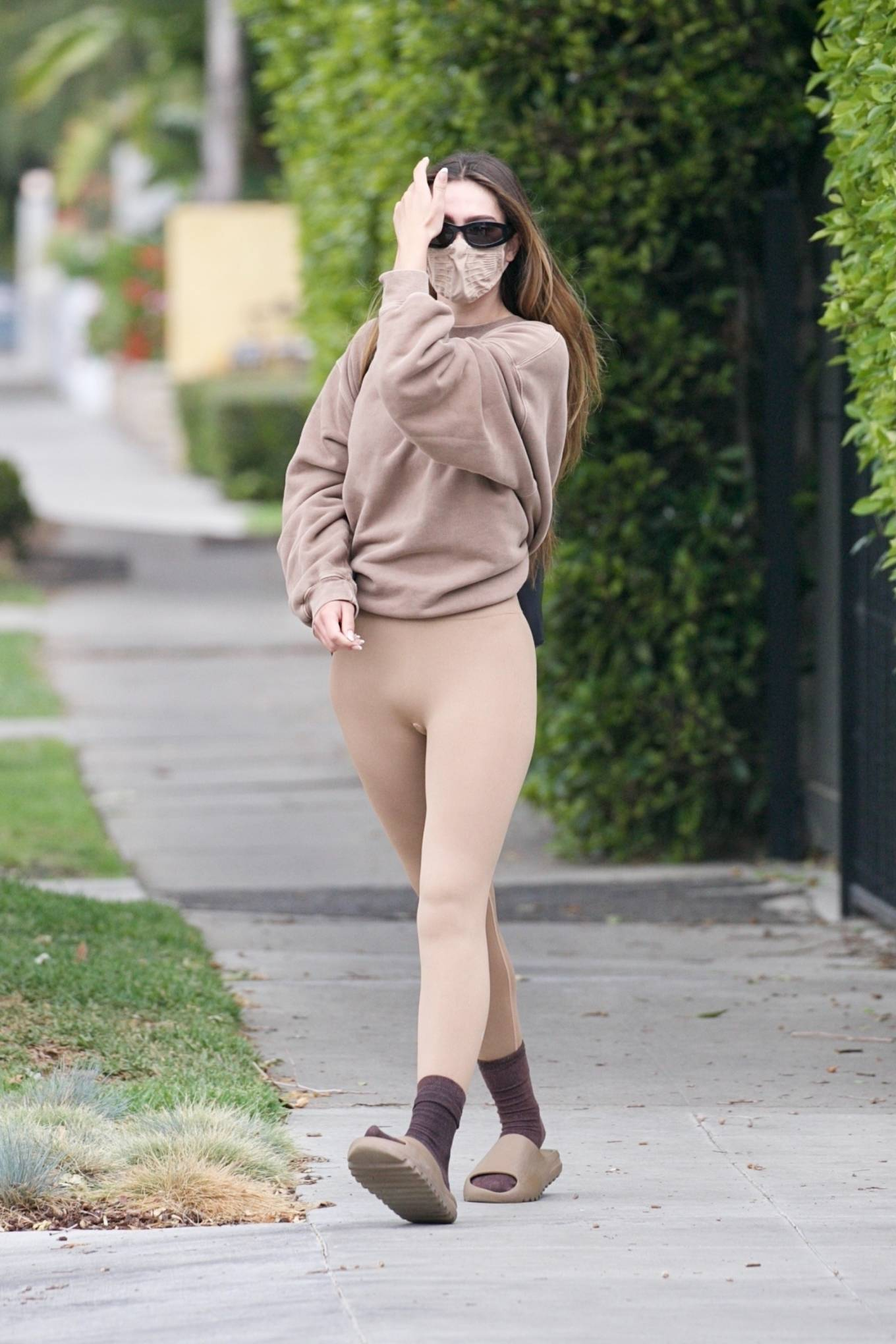 Amelia Gray Hamlin 2021 : Amelia Gray Hamlin – Steps out for pilates session in West Hollywood-15