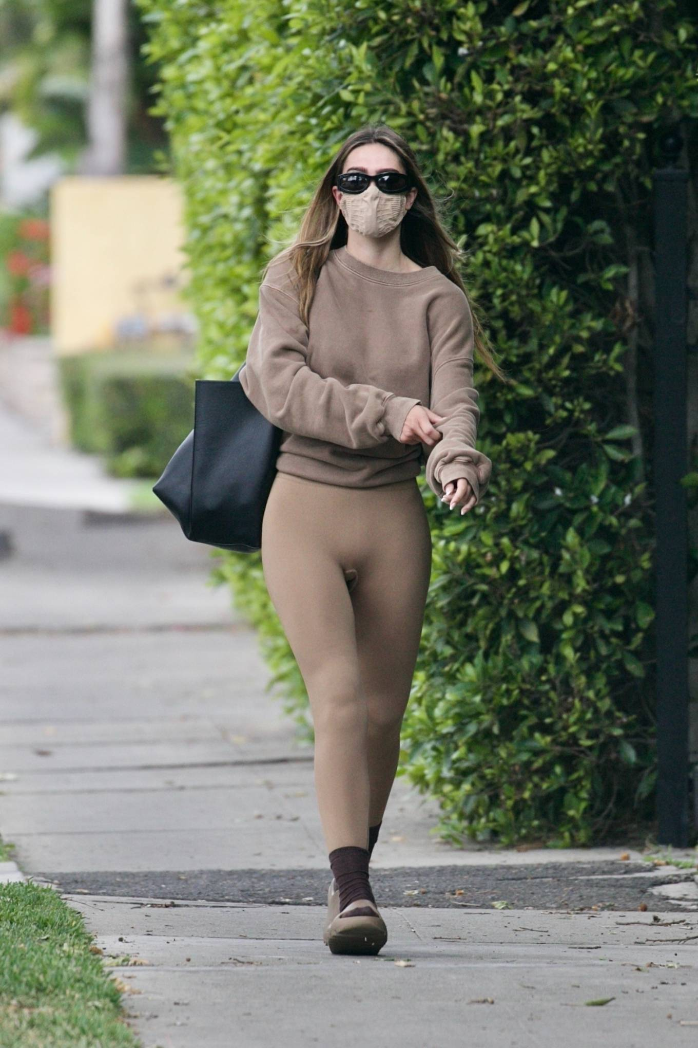 Amelia Gray Hamlin 2021 : Amelia Gray Hamlin – Steps out for pilates session in West Hollywood-16