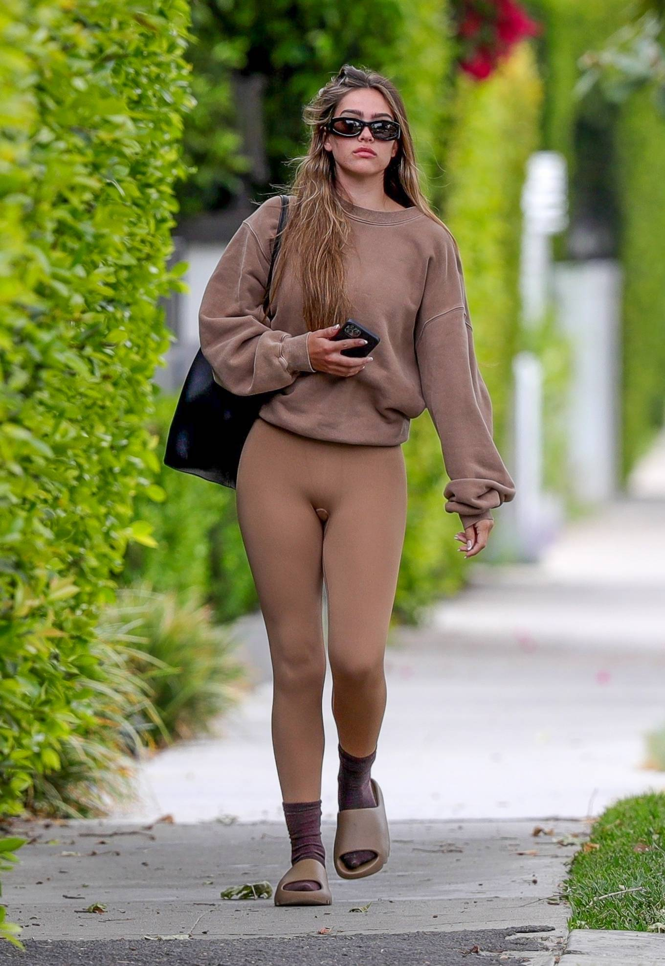 Amelia Gray Hamlin 2021 : Amelia Gray Hamlin – Steps out for pilates session in West Hollywood-22