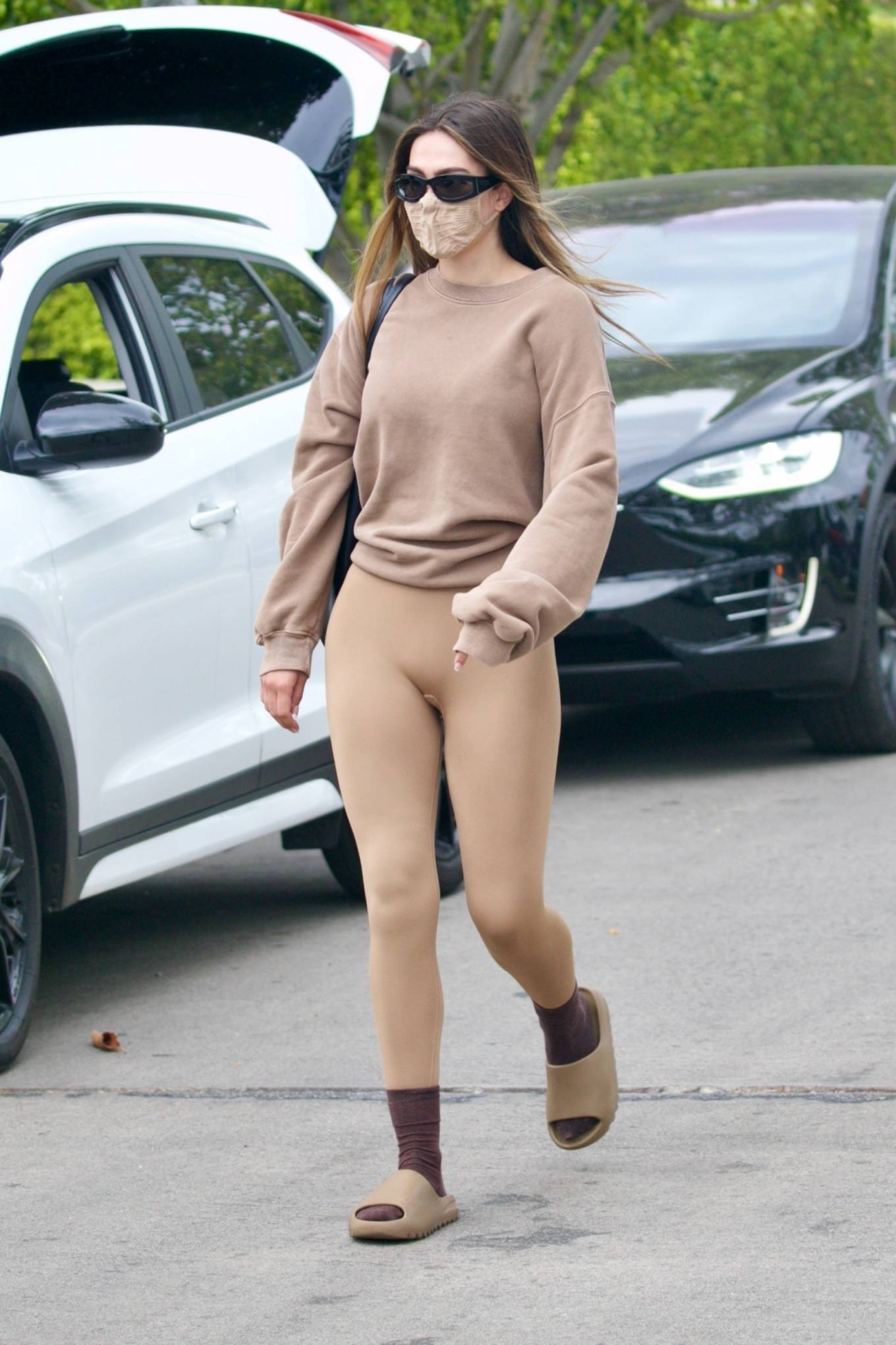 Amelia Gray Hamlin 2021 : Amelia Gray Hamlin – Steps out for pilates session in West Hollywood-23