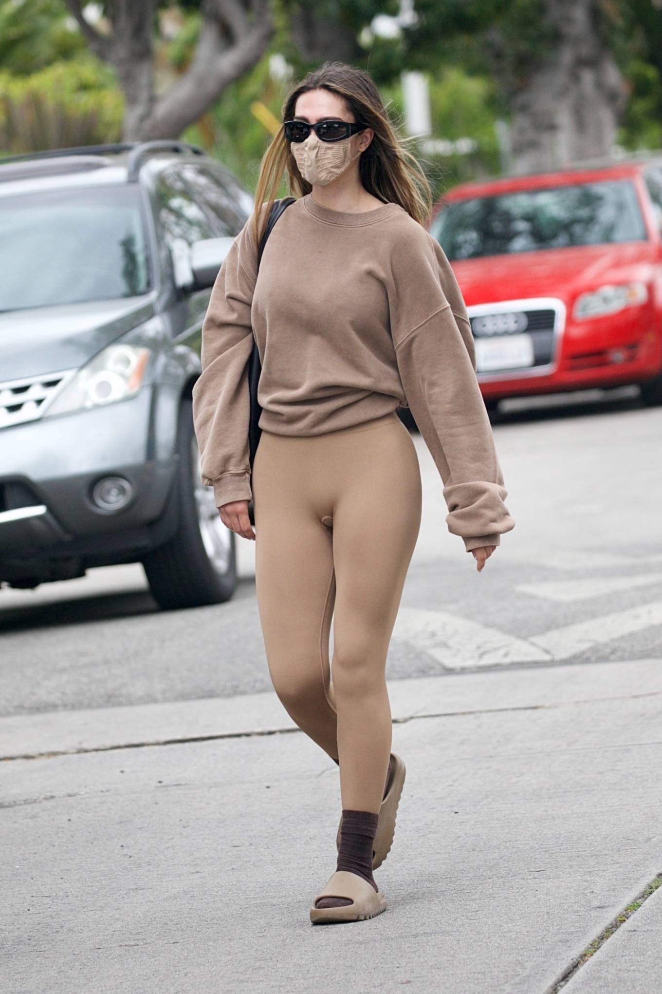 Amelia Gray Hamlin 2021 : Amelia Gray Hamlin – Steps out for pilates session in West Hollywood-26