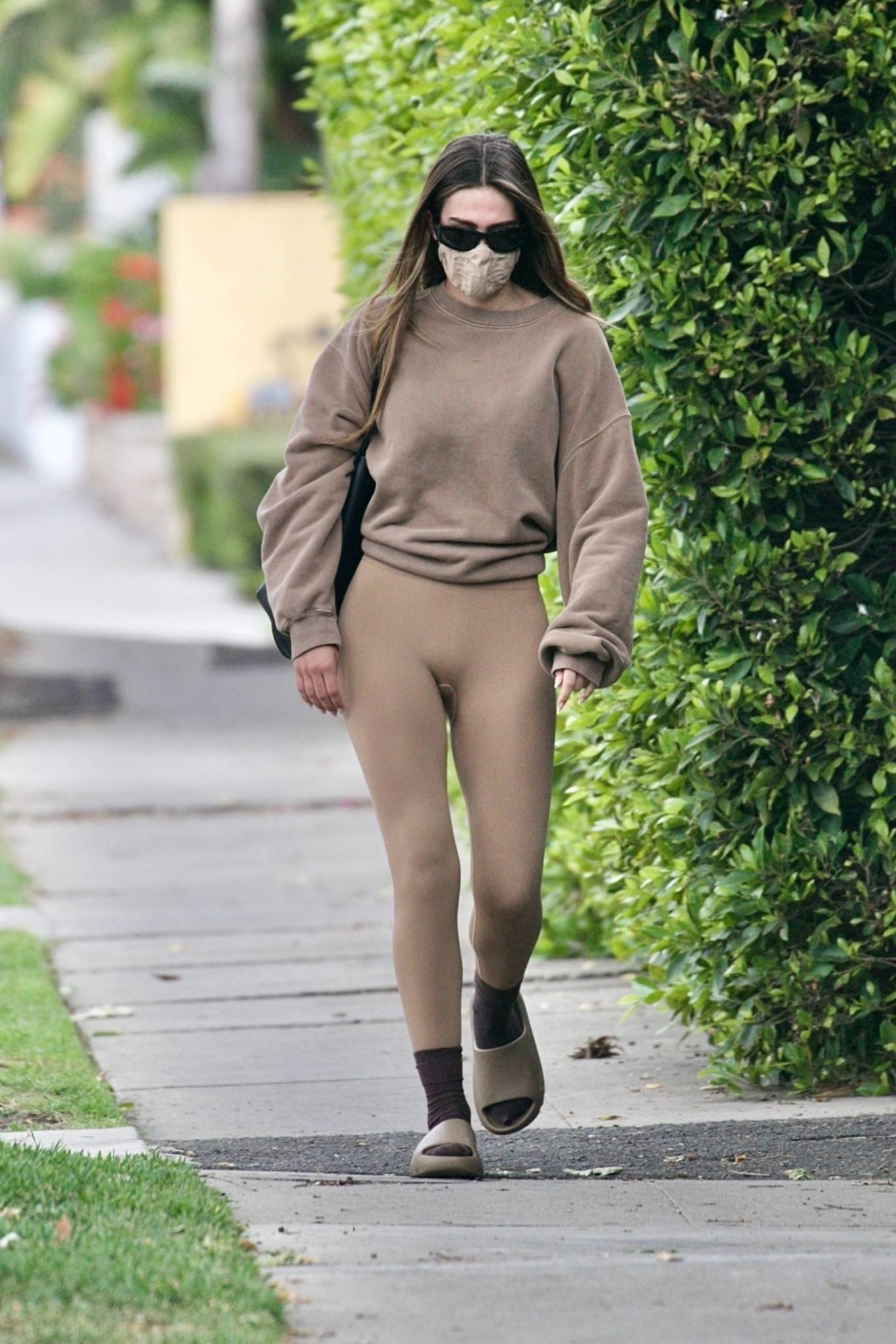 Amelia Gray Hamlin 2021 : Amelia Gray Hamlin – Steps out for pilates session in West Hollywood-27