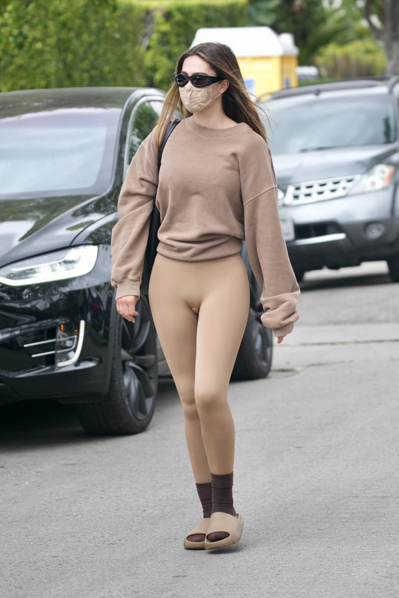 Amelia Gray Hamlin 2021 : Amelia Gray Hamlin – Steps out for pilates session in West Hollywood-35