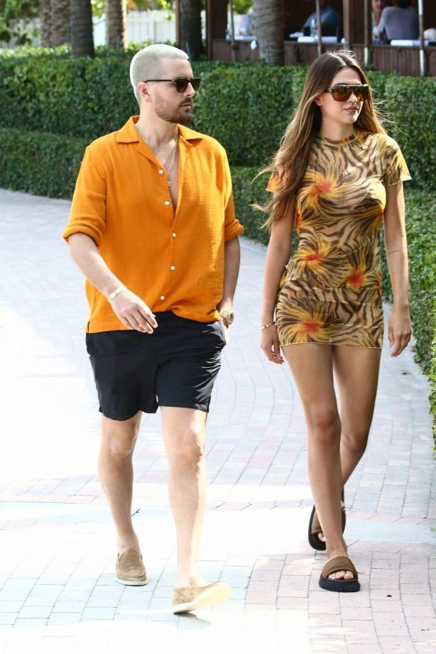 Amelia Gray Hamlin - Steps out in Miami