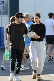 Amelia Hamlin and Mercer Wiederhorn - Pick up food to go in West Hollywood