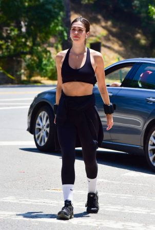 Amelia Hamlin in Gym Outfit - Out for a hike in Beverly Hills