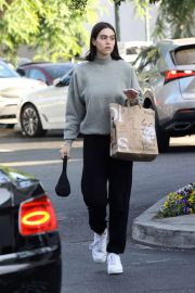 Amelia Hamlin - Leaving Bristol Farms in Beverly Hills