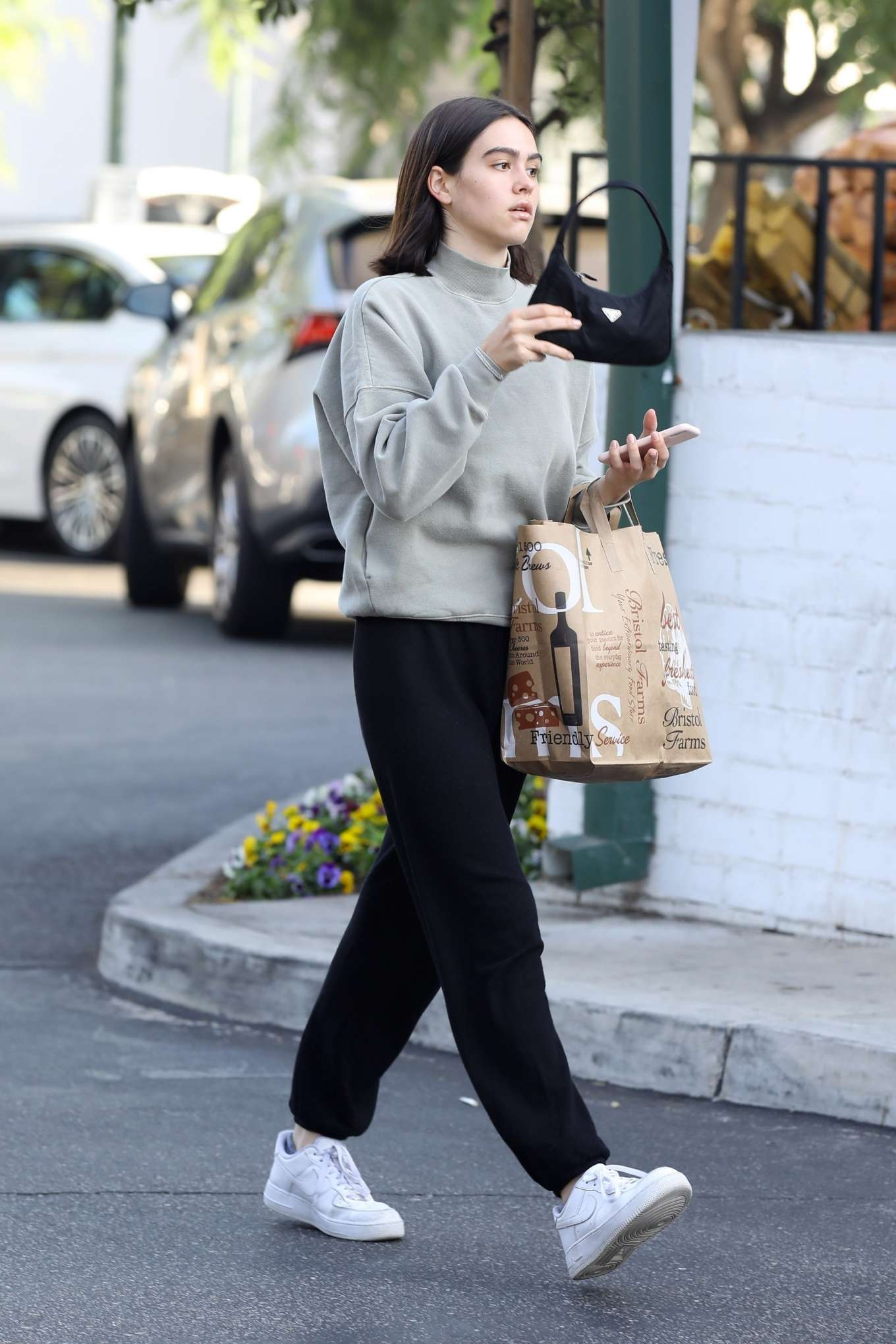 Amelia Hamlin 2019 : Amelia Hamlin – Leaving Bristol Farms-32