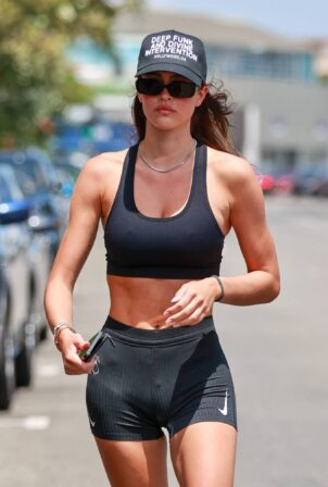 Amelia Hamlin - Seen after pilates session in Los Angeles