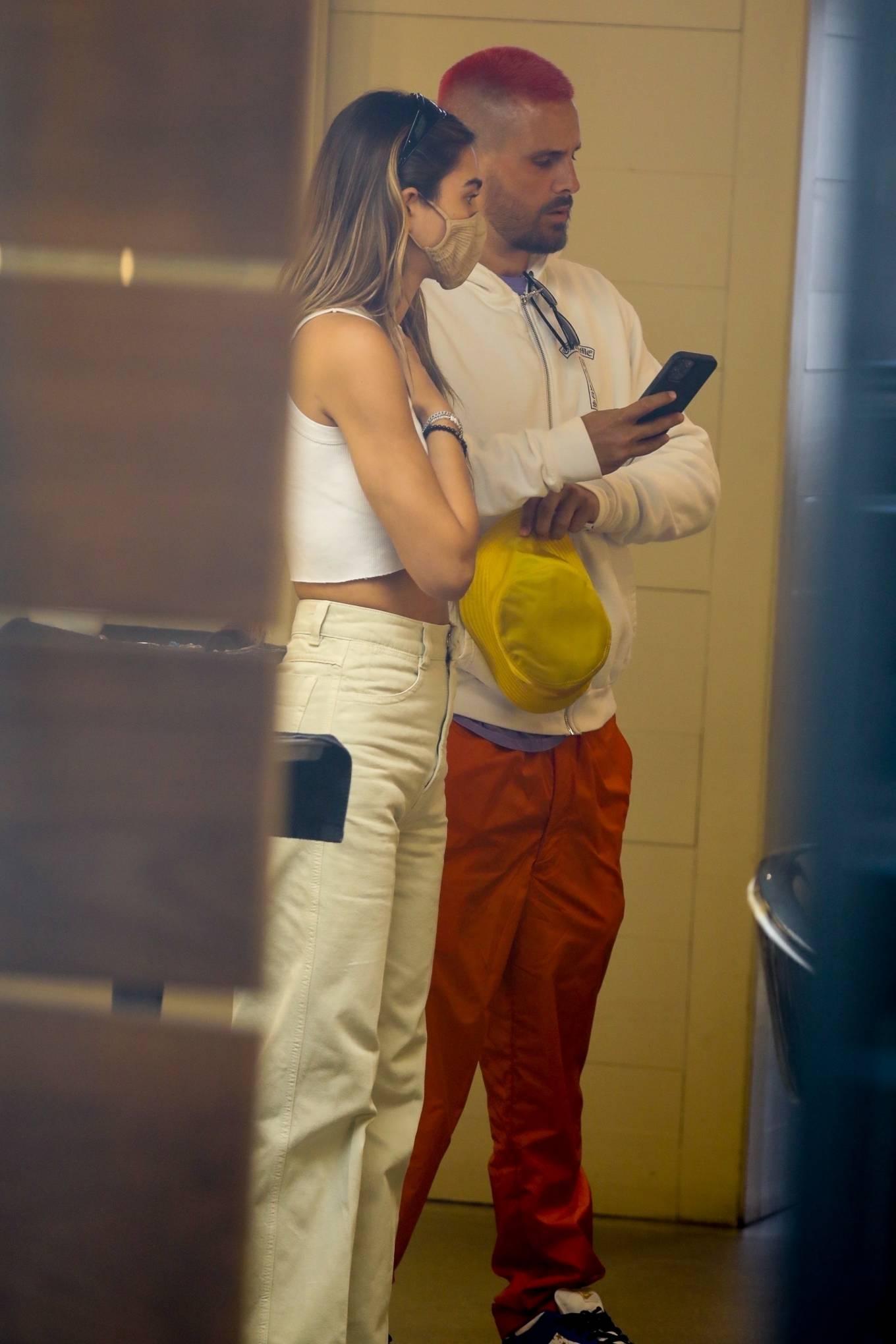 Amelia Hamlin 2021 : Amelia Hamlin – Seen with Scott Disick as they visit Meche Salon in Beverly Hills-02