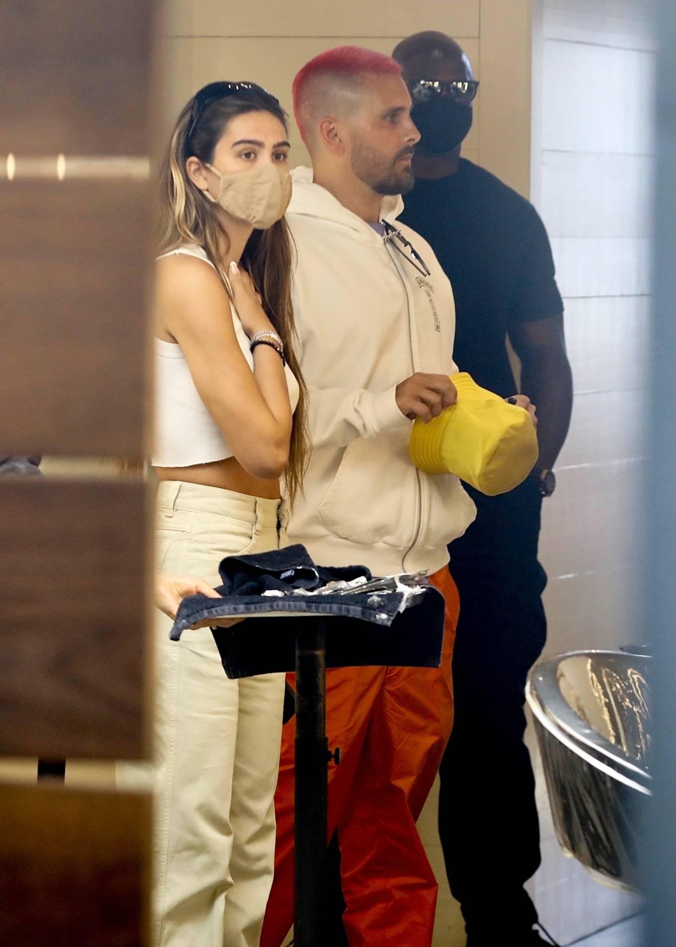 Amelia Hamlin 2021 : Amelia Hamlin – Seen with Scott Disick as they visit Meche Salon in Beverly Hills-05