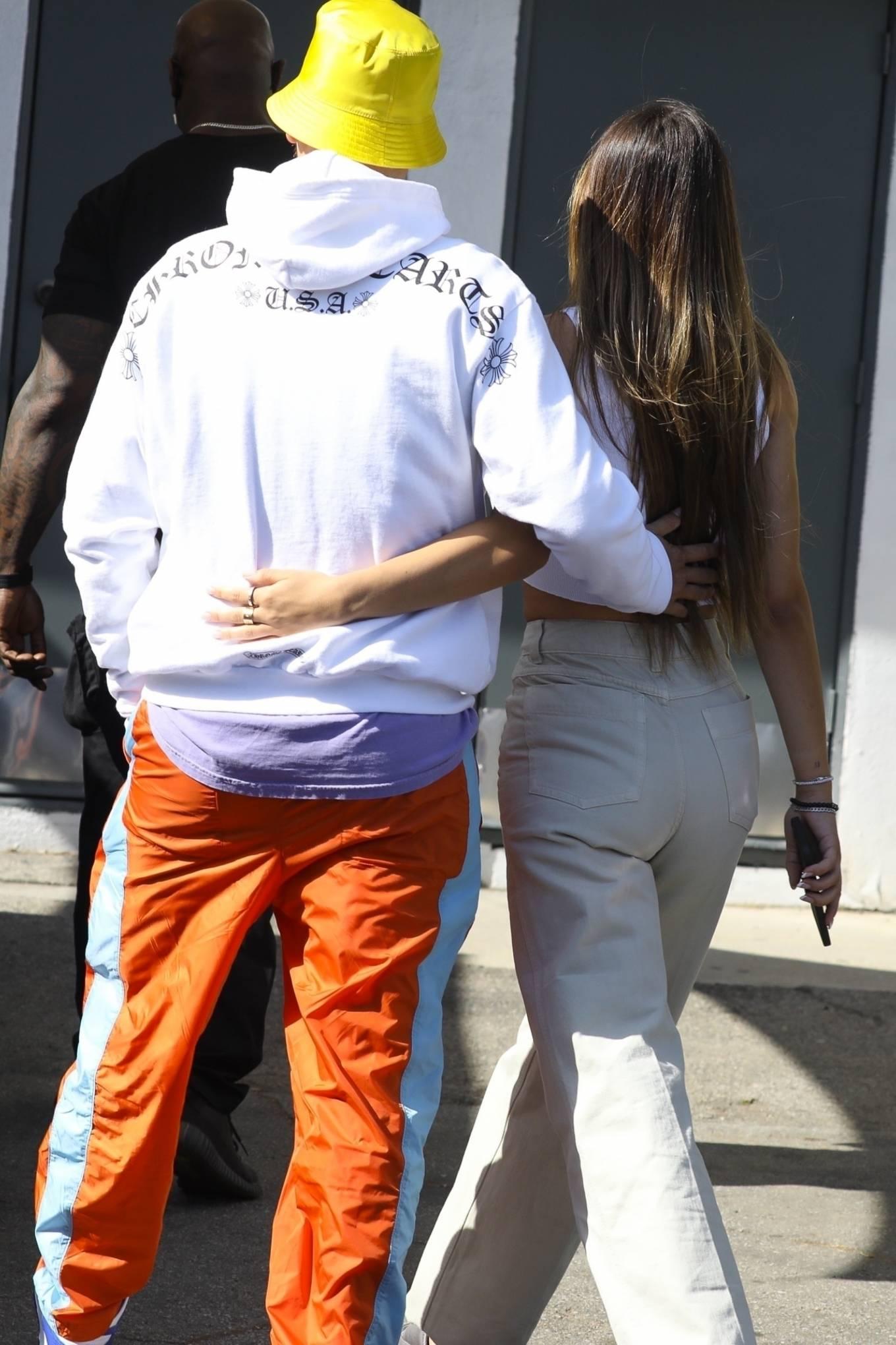 Amelia Hamlin 2021 : Amelia Hamlin – Seen with Scott Disick as they visit Meche Salon in Beverly Hills-07