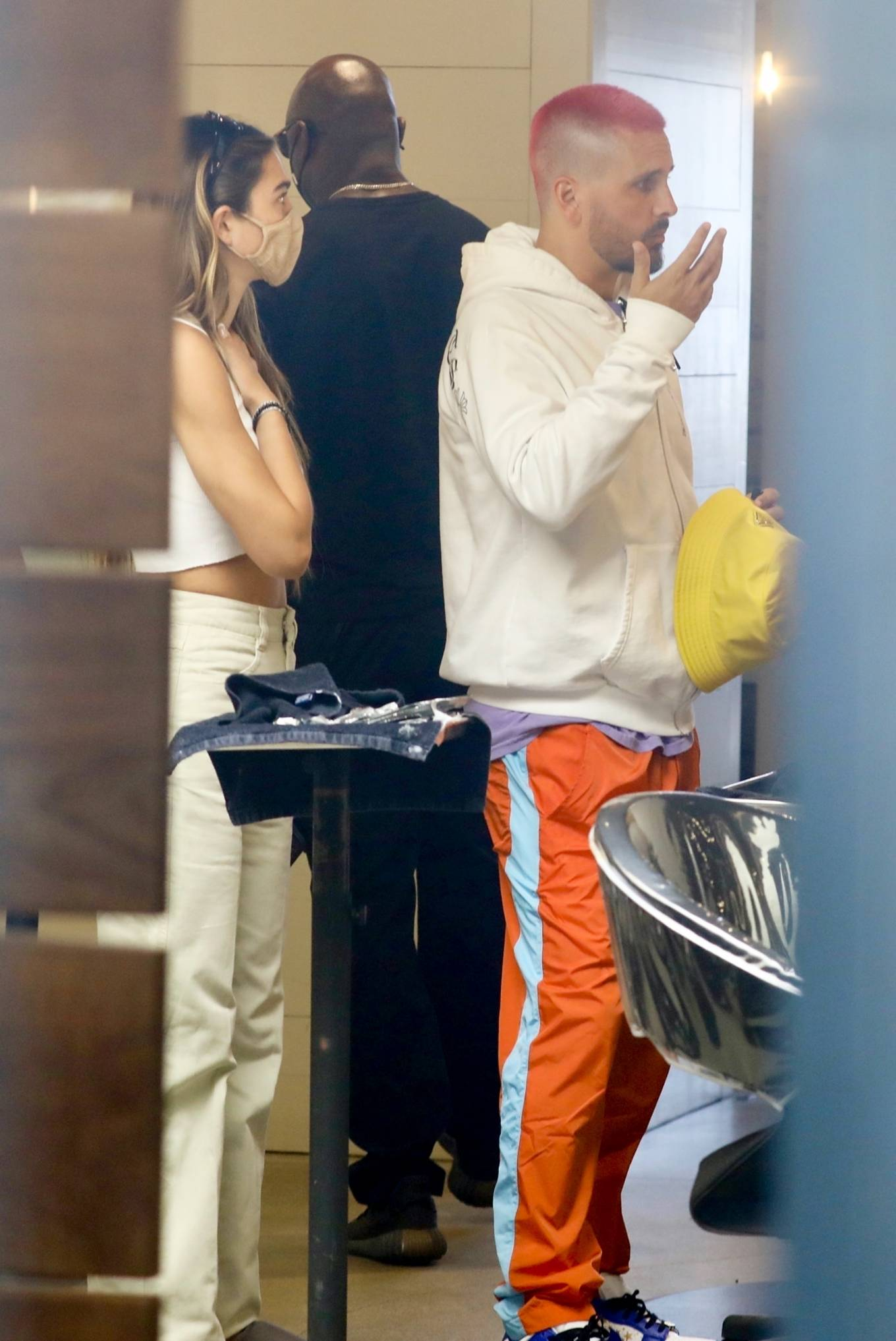 Amelia Hamlin 2021 : Amelia Hamlin – Seen with Scott Disick as they visit Meche Salon in Beverly Hills-08