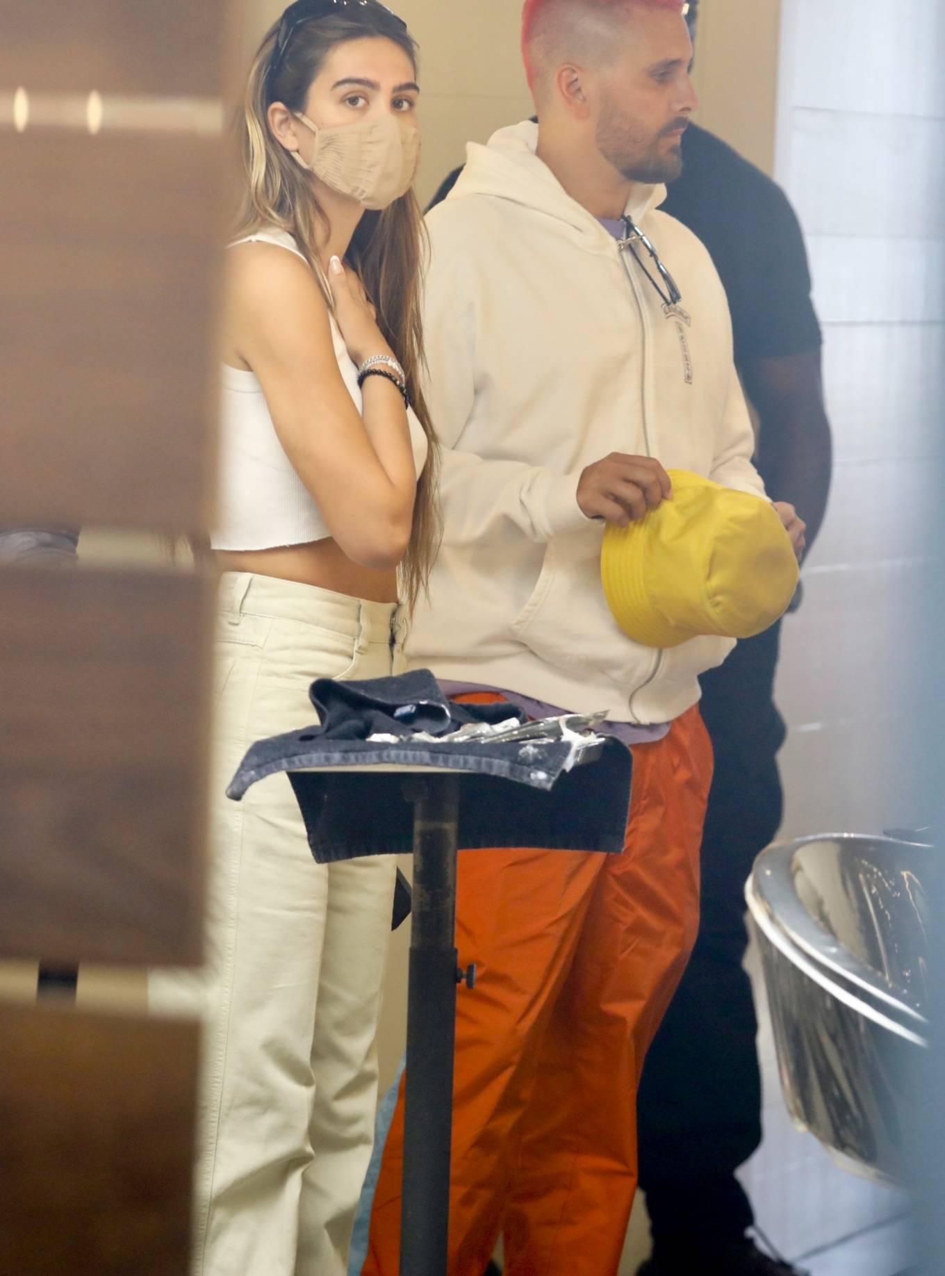 Amelia Hamlin 2021 : Amelia Hamlin – Seen with Scott Disick as they visit Meche Salon in Beverly Hills-13