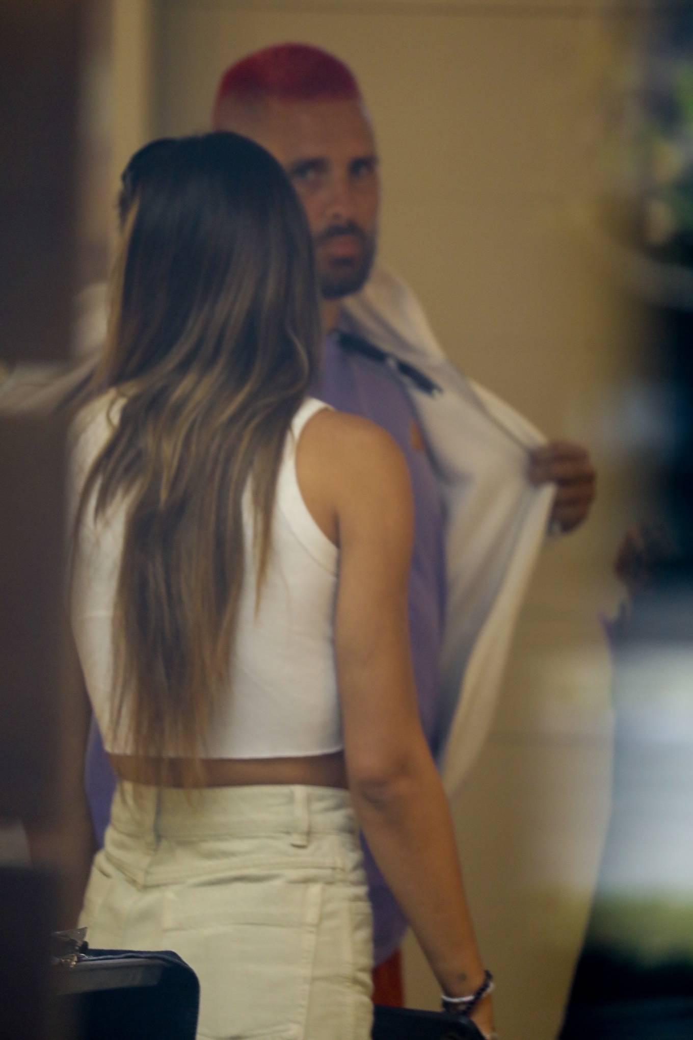 Amelia Hamlin 2021 : Amelia Hamlin – Seen with Scott Disick as they visit Meche Salon in Beverly Hills-18