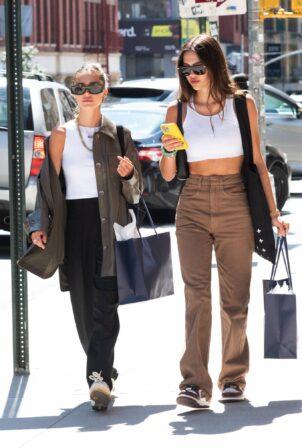 Amelia Hamlin - With Delilah Hamlin out in NYC