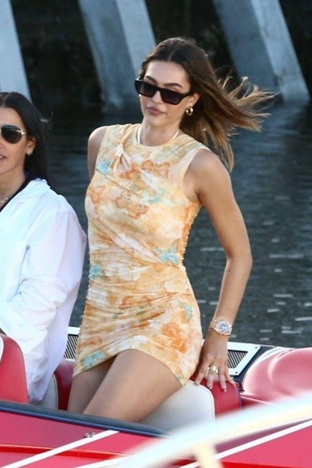 Amelia Hamlin - With Scott Disick take a tour by boat through Miami Bay
