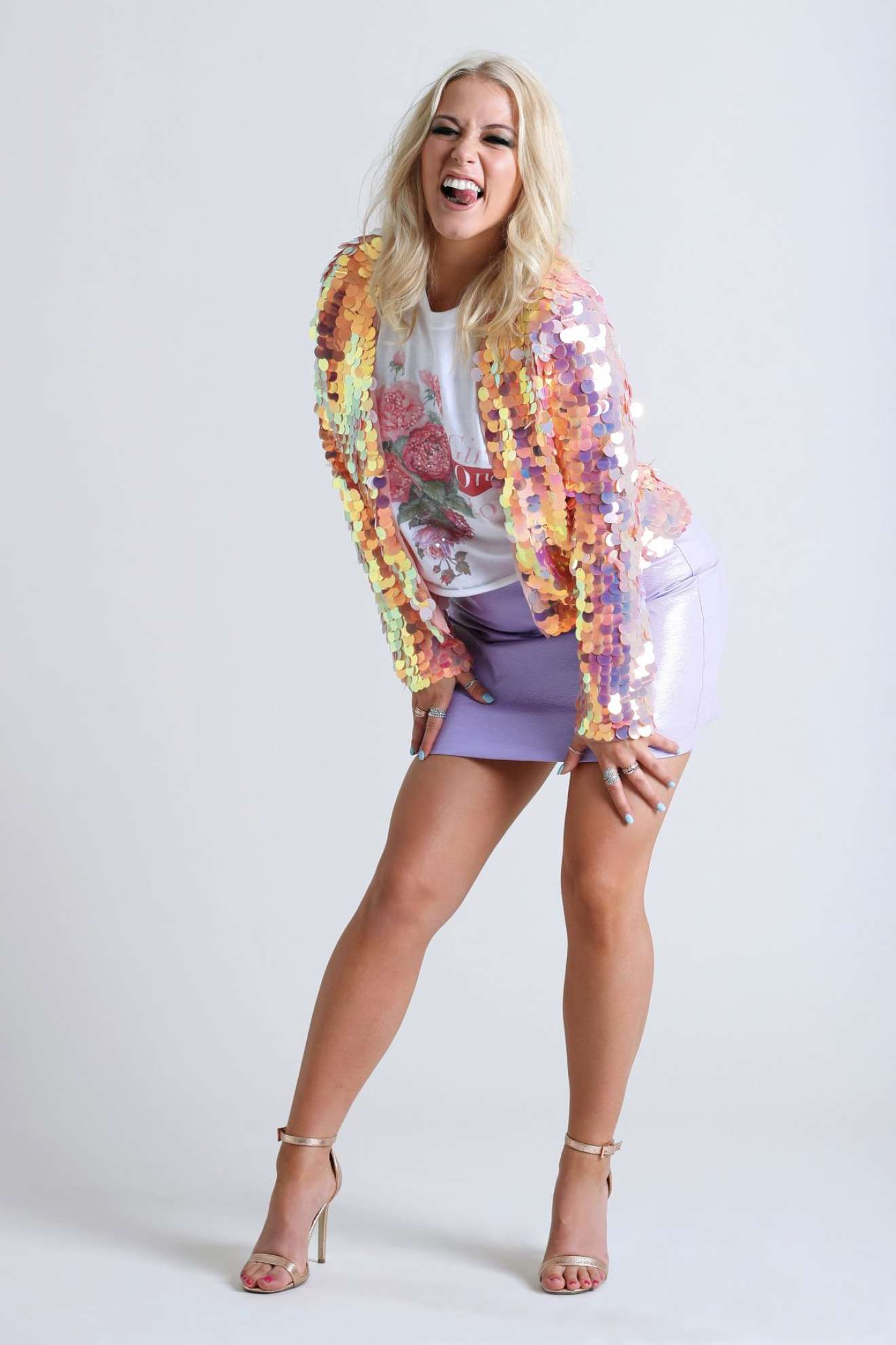 Amelia Lily - Looking Hot in Photoshoot