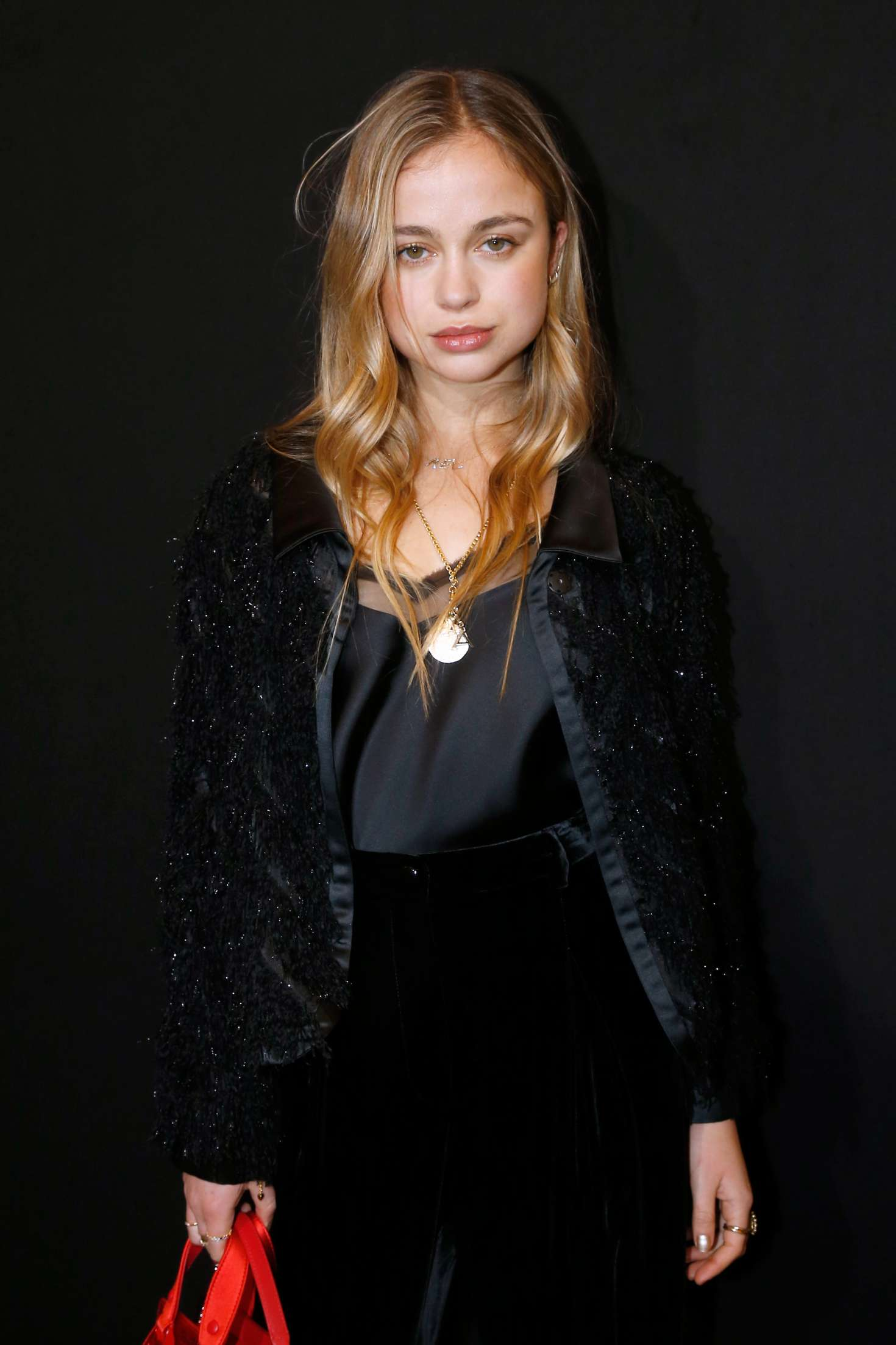 Amelia Windsor - Armani Prive Fashion Show 2018 in Paris