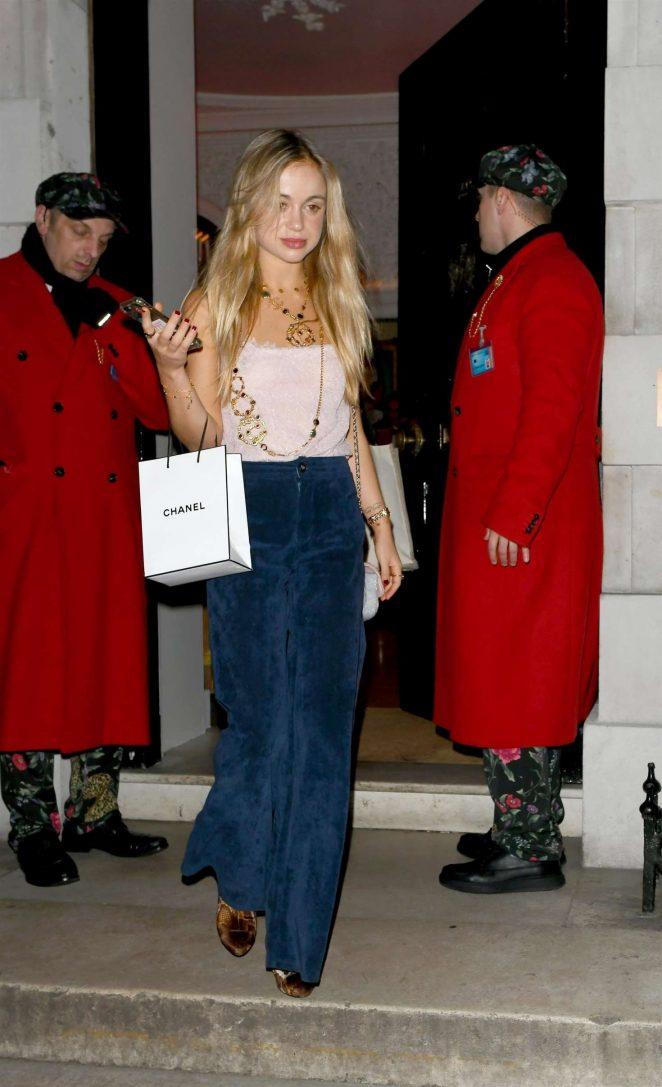 Amelia Windsor 2018 : Amelia Windsor: Chanel No. 5 Party -06