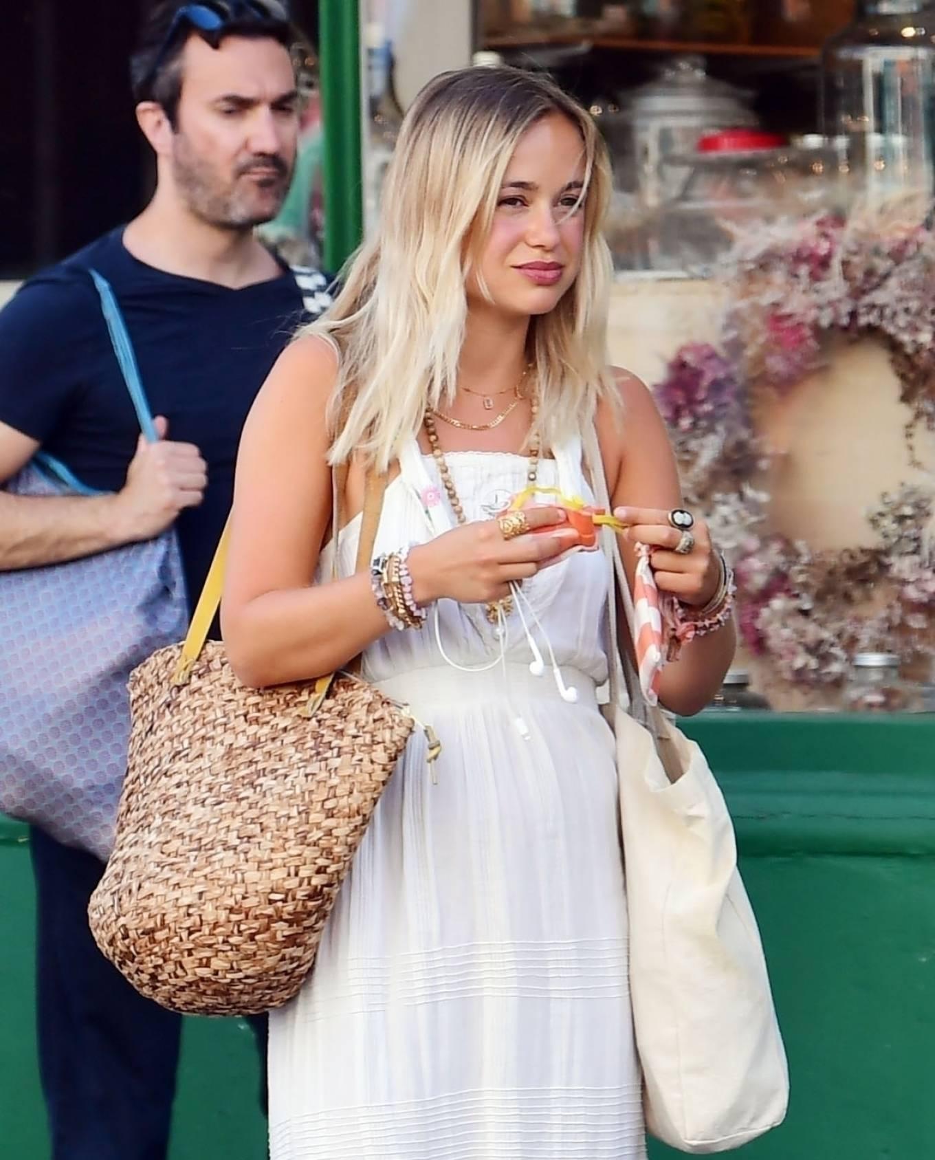 Amelia Windsor 2020 : Amelia Windsor – Looks stunning in a white summery dress in London-01