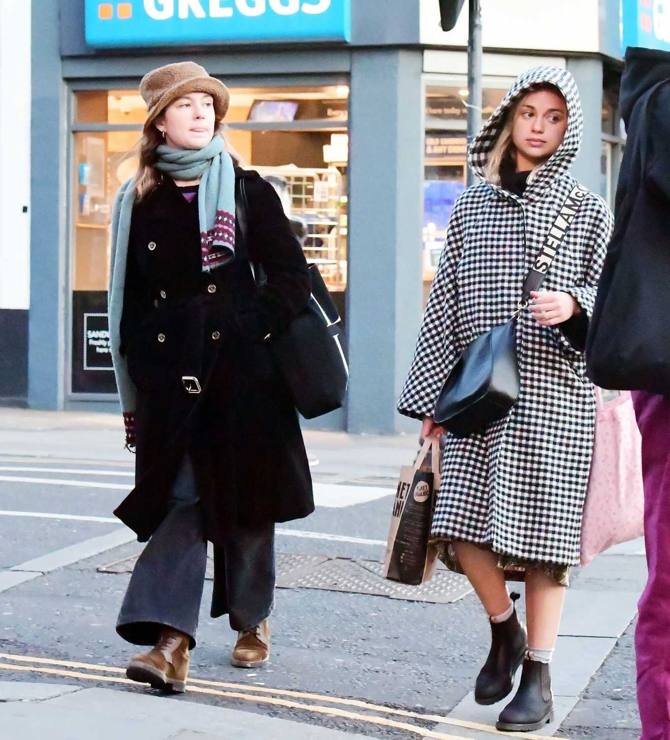Amelia Windsor 2020 : Amelia Windsor – Looks stylis while out in the trendy area of Notting Hill-02