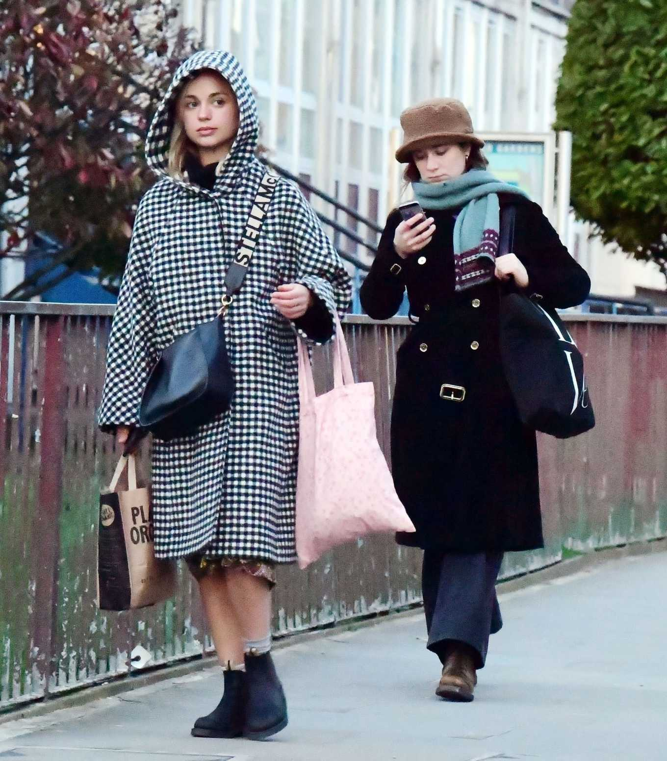 Amelia Windsor 2020 : Amelia Windsor – Looks stylis while out in the trendy area of Notting Hill-11